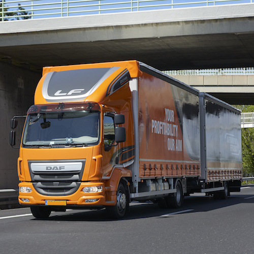 camion 110m3 avec chauffeur super poids lourd pour d m nager moins cher. Black Bedroom Furniture Sets. Home Design Ideas